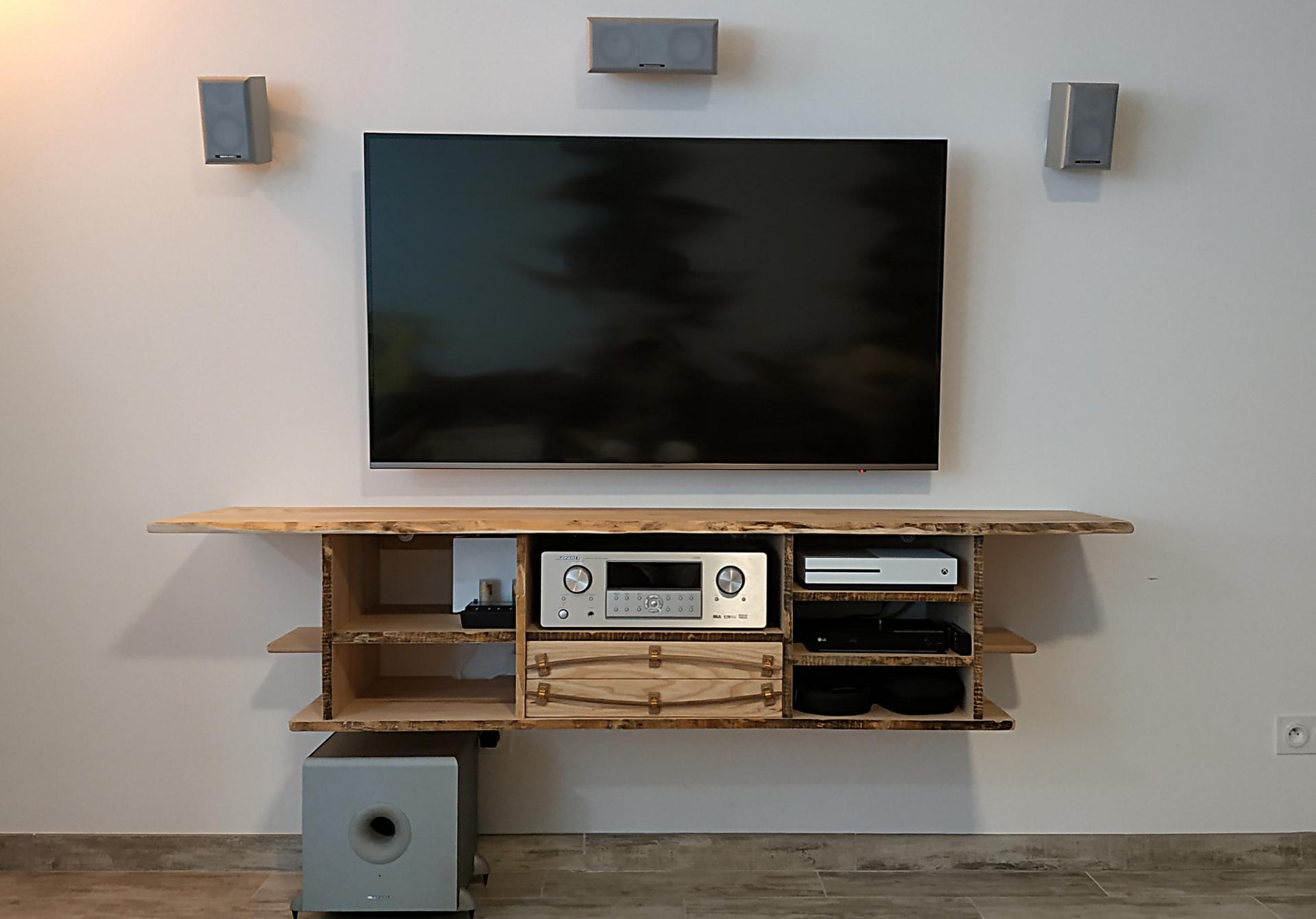 Meuble TV flottant